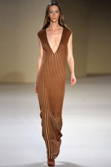 Модные трикотажные платья 2013