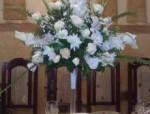 Живые цветы в оформлении свадебного торжества