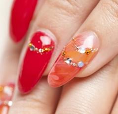 Наращивание ногтей в домашних условиях: модно и просто