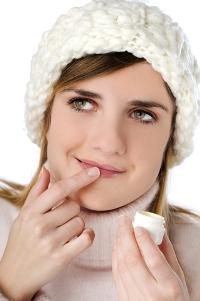 Как быстро избавиться от простуды на губах?