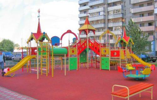 Детские площадки: правила безопасности