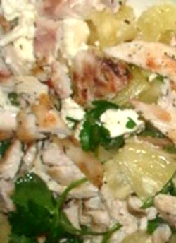 Необычный салат из курицы и ананаса