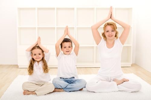 Йога для детей: занятия в домашних условиях