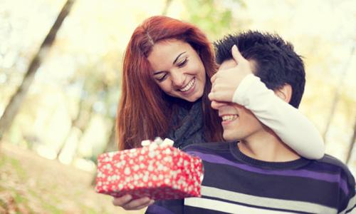 Подарок любимому мужчине: правила выбора